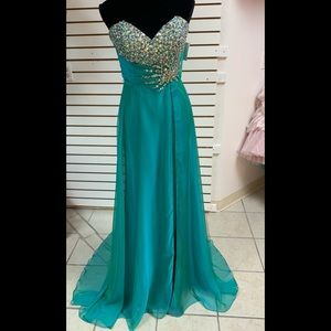 Size 10 Pageant Prom Homecoming gown dress NWT